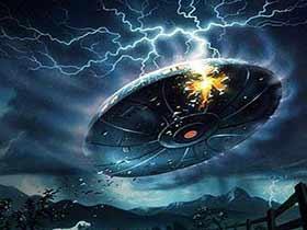 外国天空异像云彩旋转吸取旁边异物 疑似UFO不明飞行物