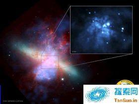 地球附近星系中心发现两个黑洞