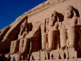 胡夫金字塔未解之谜,埃及胡夫金字塔是古代世界建筑奇迹之一