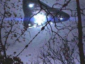观光客在巴西亚马逊外星人意外拍到外星人