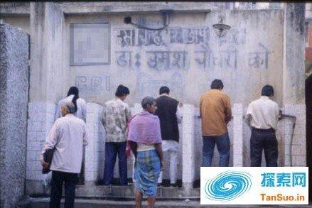 厕所竟比婚房重要!印度人无厕不婚