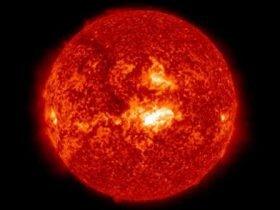 科学家:1千亿美元造个太空磁盾牌 抵御太阳耀斑
