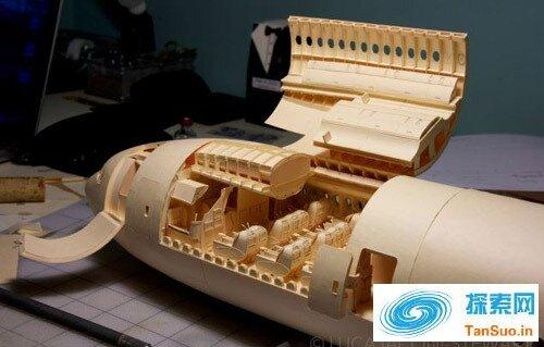 让人惊叹的精密纸飞机模型