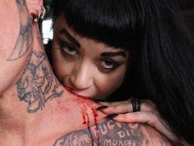 现实版女吸血鬼