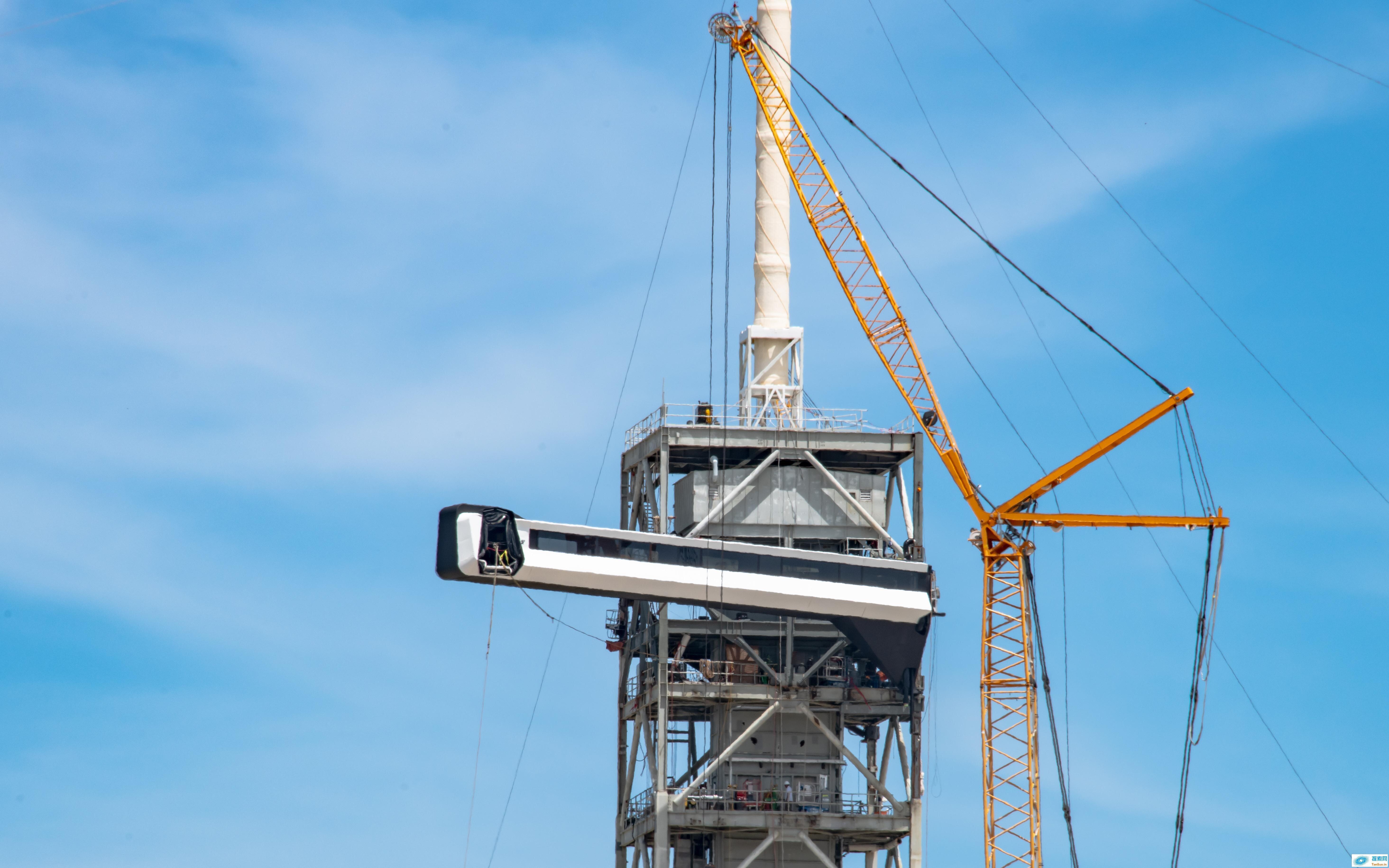 SpaceX 完成太空人「空桥」的安装,离载人飞行又近了一步